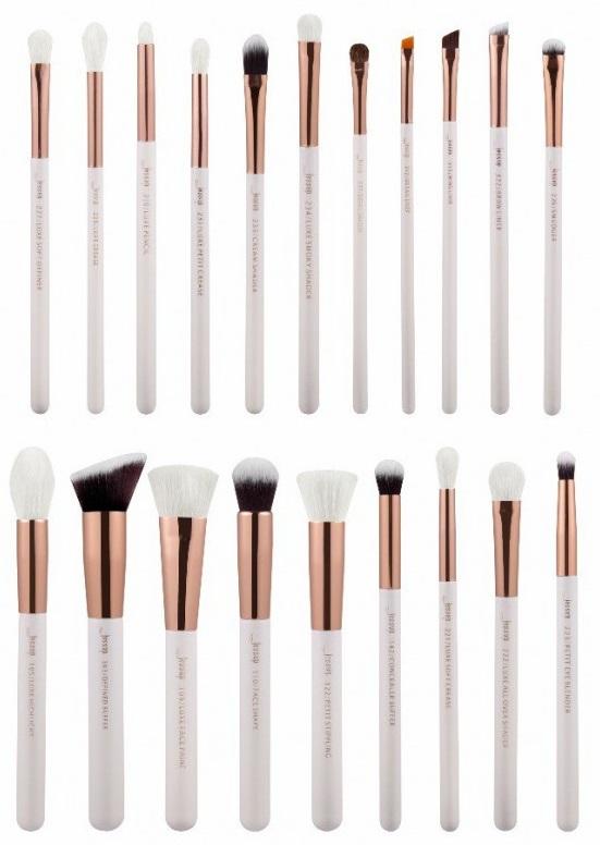 Najbardziej przydatne pędzle do makijażu które warto mieć w kosmetyce